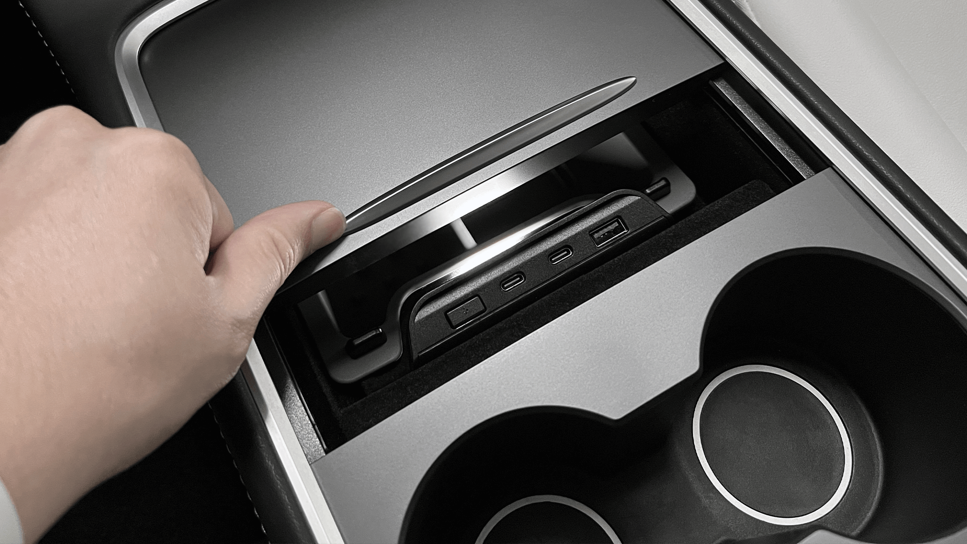 2021 Model 3 專用 LED Hub 集線器置物盒完美組合開箱